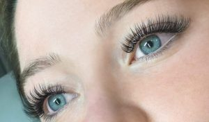 Make Your Eyes Looks Good With The Eyelash Extension