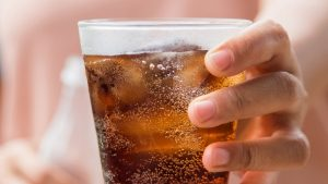 Advantage of Drinking Sparkling Water Rather Than The Normal Soda