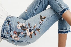 Tips When Buying Womens' Jeans At an Online Store
